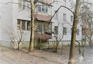 Продам 2 к.кв-ру м. Дворец Украины.