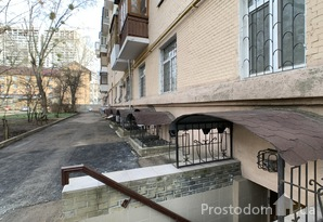 Коммерческое помещение в Печерском районе с отдельным входом