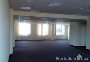 Долгосрочная аренда офиса 296м2 : Open Space + кабинеты +сан.; Евроремонт