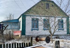 Крепкий дом в селе Дмитриевка Бородянского района