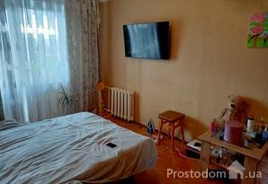Продажа 1-й квартиры возле метро Дарница