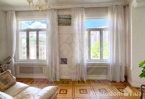 Продам четырехкомнатную квартиру на Липках с видом на город